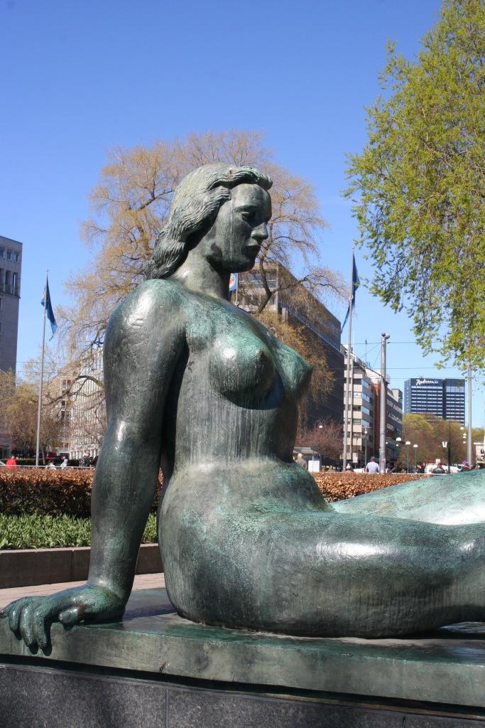 Woman Statue Oslo