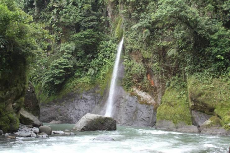 Waterfall Rafting Costa