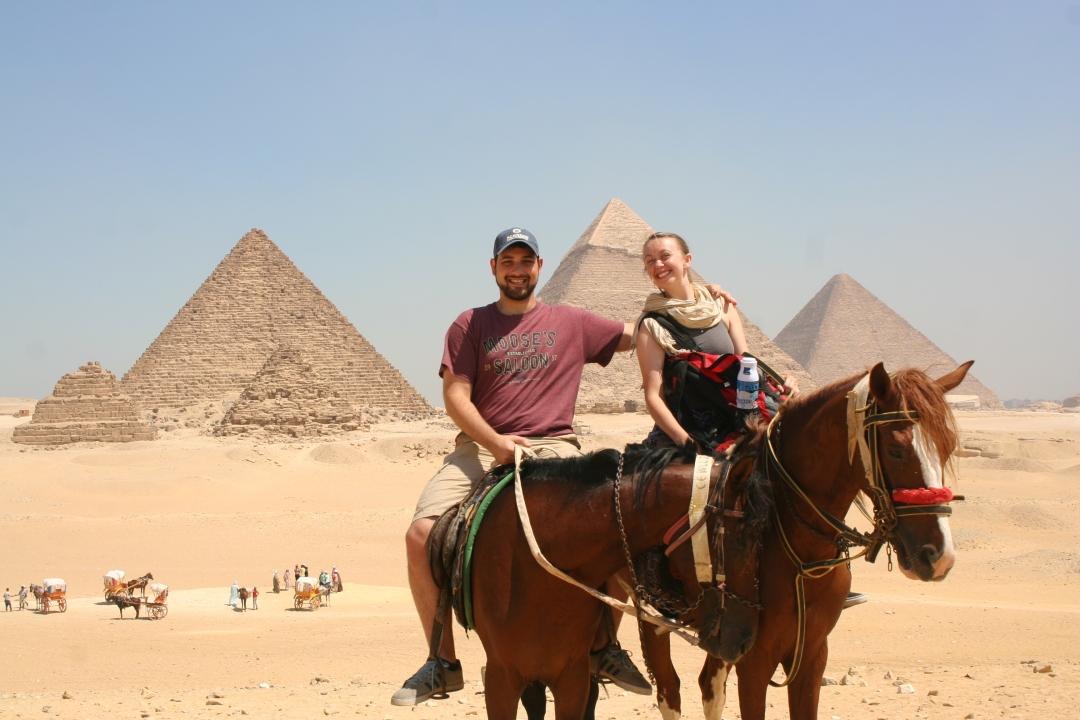 horses pyramids giza