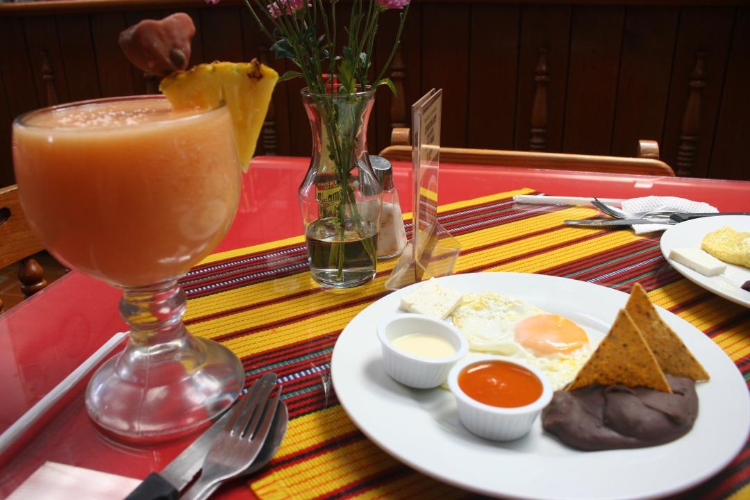food antigua guatemala