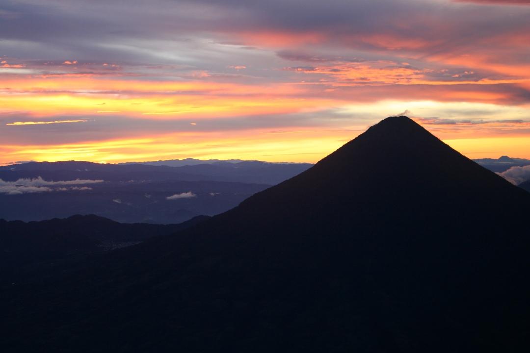 guatemala sunrise volcano