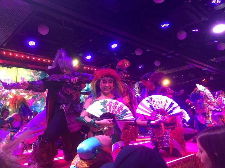 robot restaurant dancers