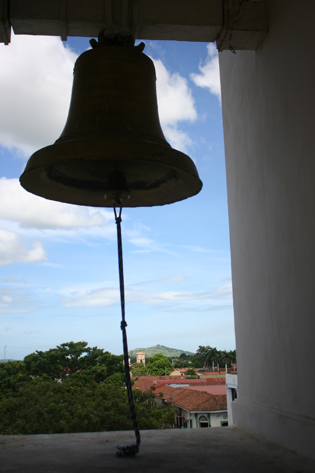 bell cathedral leon