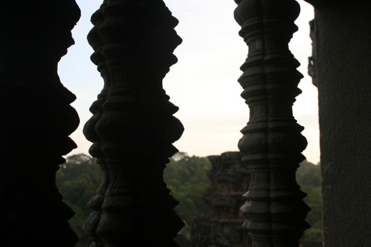 columns angkor wat